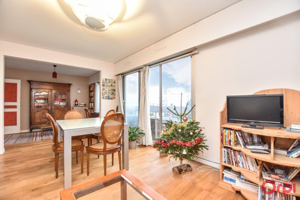 Appartement à vendre 3 55.51m2 à Paris 12 vignette-2