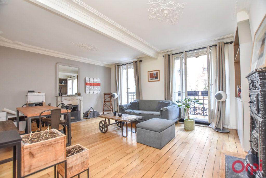 Appartement à vendre 3 62.6m2 à Paris 12 vignette-2