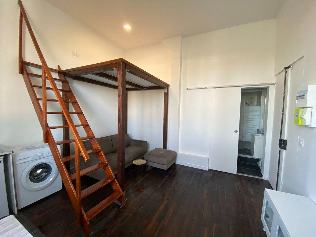 Appartement à louer 1 18.3m2 à Saint-Mandé vignette-3