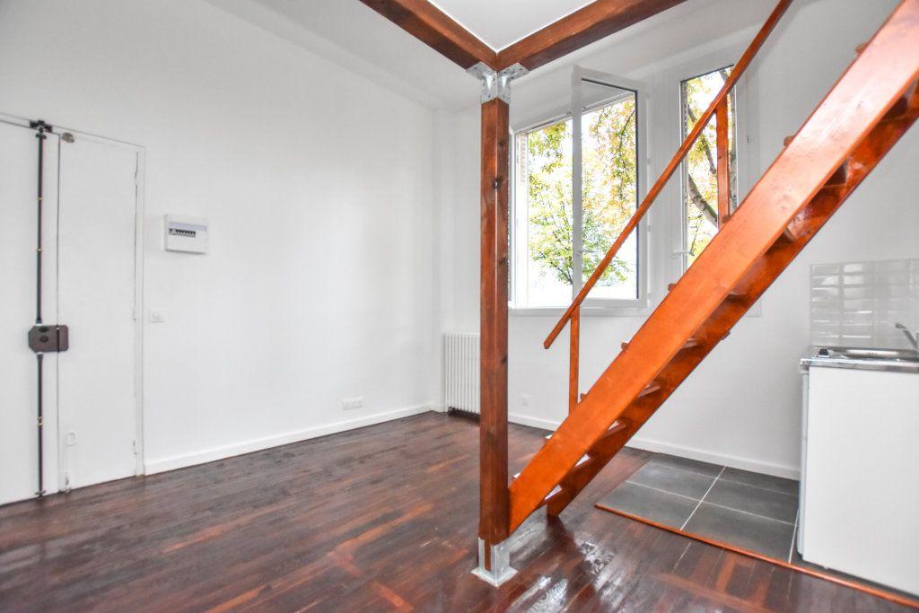 Appartement à louer 1 18.3m2 à Saint-Mandé vignette-9