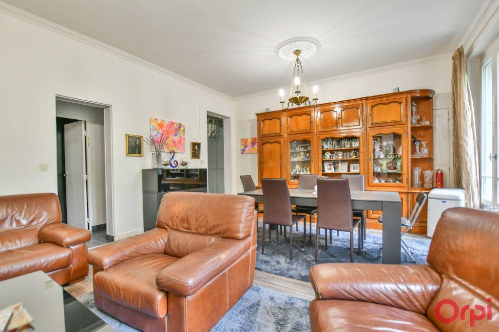 Appartement à vendre 4 82.94m2 à Paris 10 vignette-2