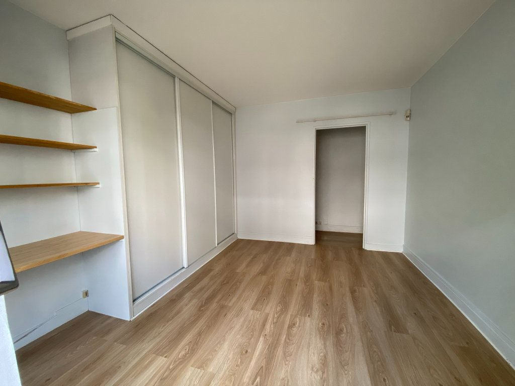 Appartement à louer 1 34m2 à Paris 12 vignette-2
