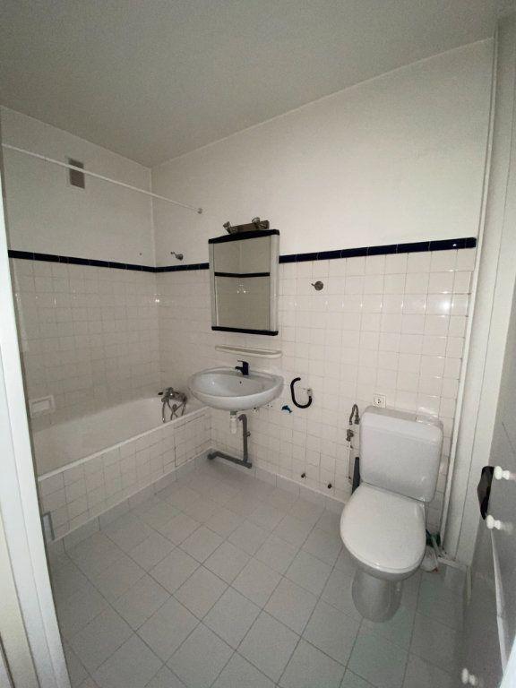 Appartement à louer 1 34m2 à Paris 12 vignette-5