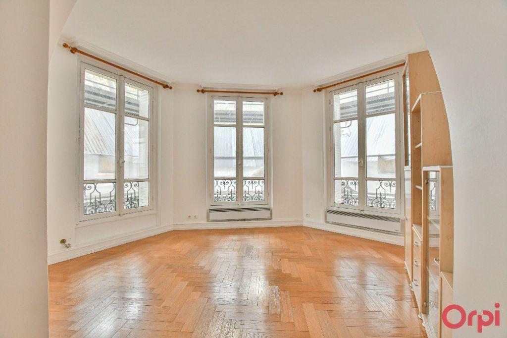 Appartement à vendre 3 66.16m2 à Paris 12 vignette-2