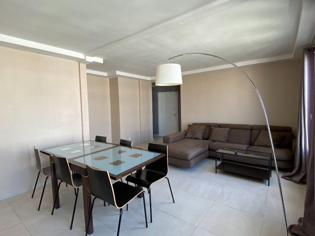 Appartement à louer 2 56m2 à Paris 12 vignette-2