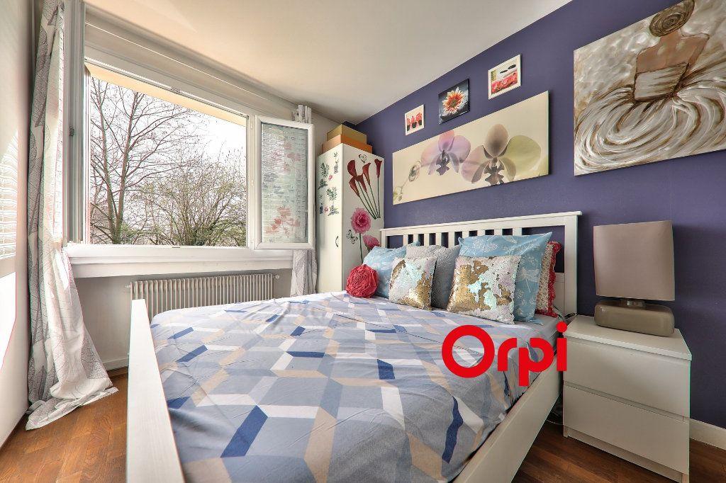 Appartement à vendre 4 93.16m2 à Bron vignette-11
