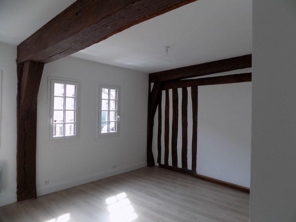Appartement à louer 2 37.58m2 à Houdan vignette-1
