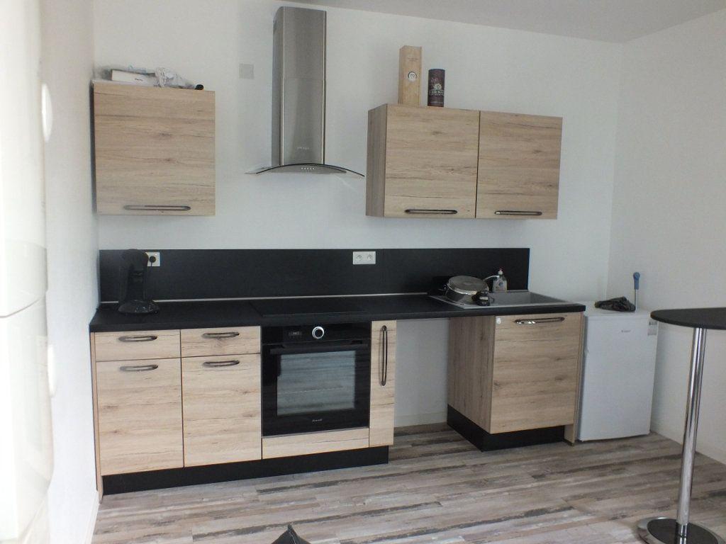 Appartement à louer 2 35m2 à Saint-Lubin-de-la-Haye vignette-1
