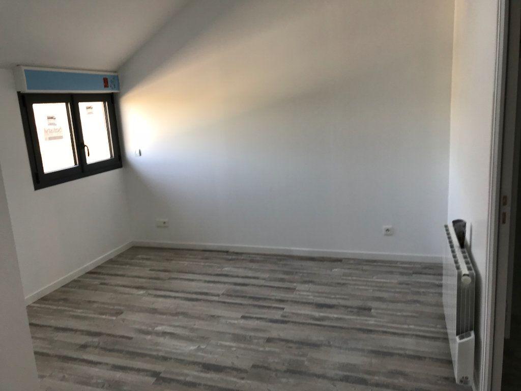 Appartement à louer 2 35m2 à Saint-Lubin-de-la-Haye vignette-2