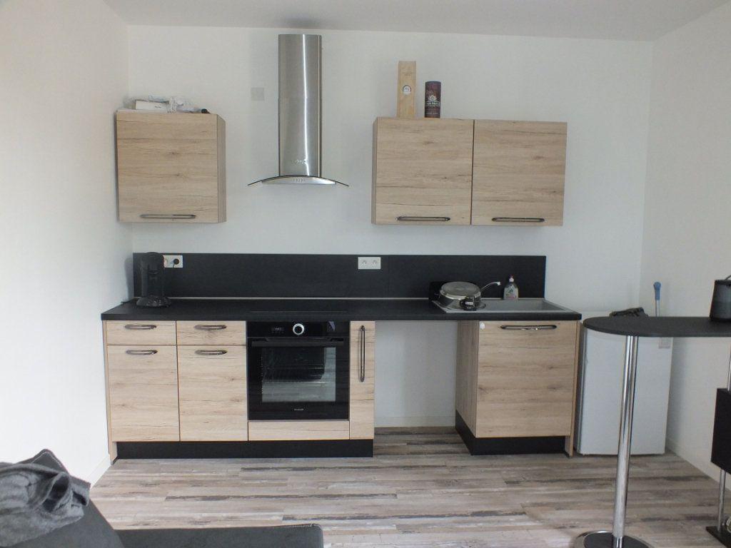 Appartement à louer 2 35m2 à Saint-Lubin-de-la-Haye vignette-4