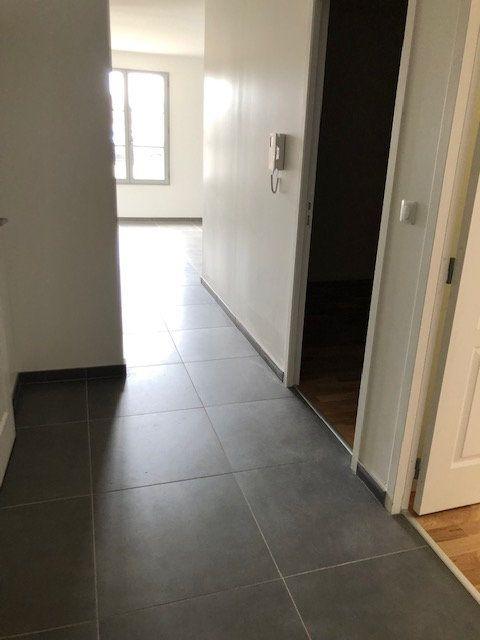 Appartement à louer 3 71.19m2 à Anet vignette-3