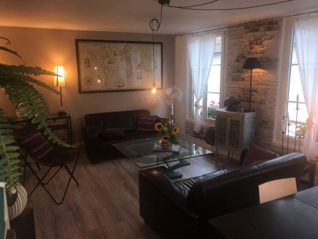 Appartement à vendre 3 67m2 à Houdan vignette-1