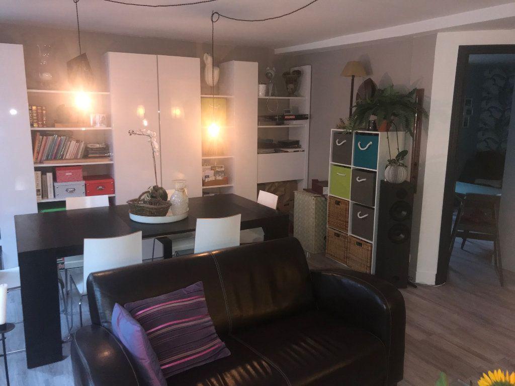 Appartement à vendre 3 67m2 à Houdan vignette-4
