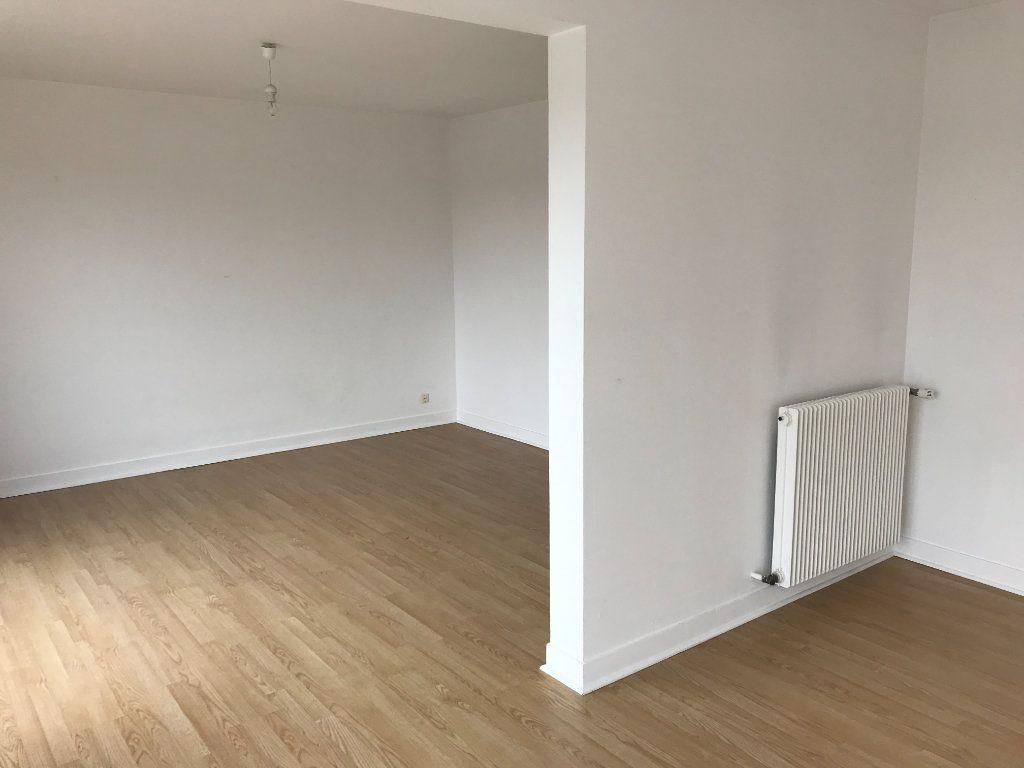 Appartement à vendre 4 75m2 à Houdan vignette-2