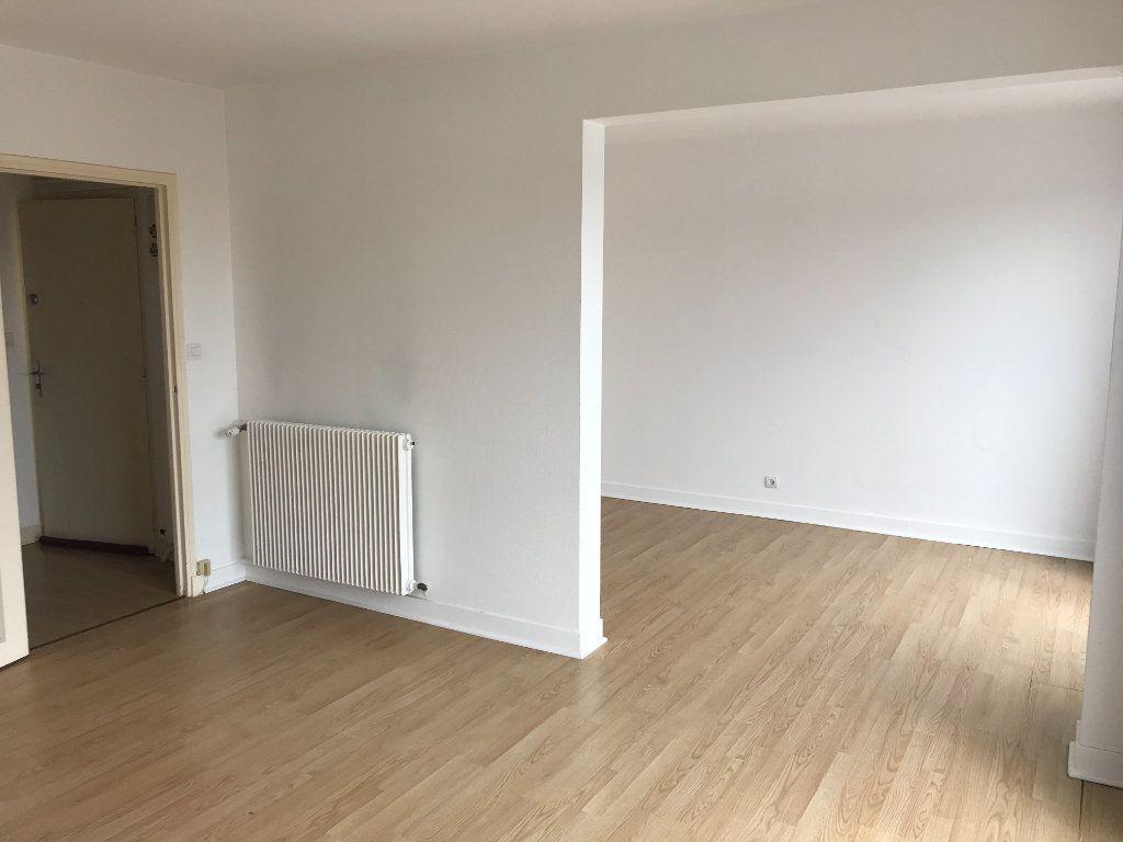 Appartement à vendre 4 75m2 à Houdan vignette-3