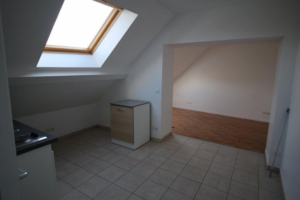 Appartement à louer 1 25m2 à La Ferté-sous-Jouarre vignette-1