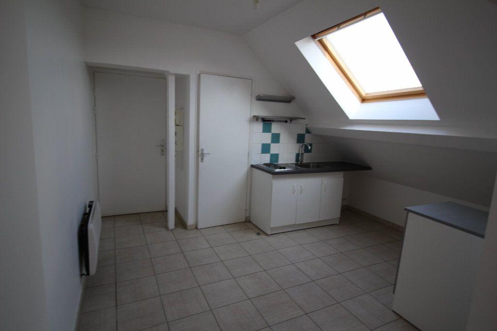 Appartement à louer 1 25m2 à La Ferté-sous-Jouarre vignette-2