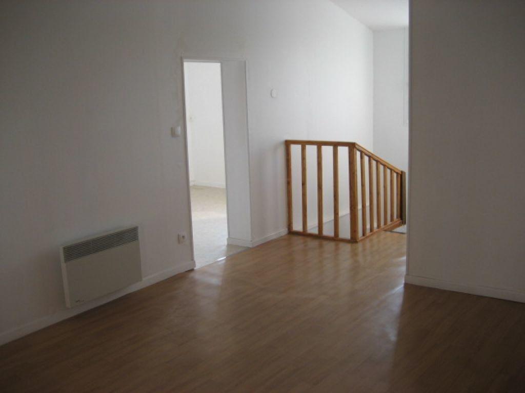 Appartement à louer 2 40.03m2 à Lizy-sur-Ourcq vignette-2