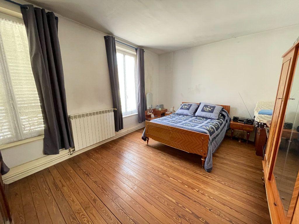 Maison à vendre 6 132m2 à Lizy-sur-Ourcq vignette-5