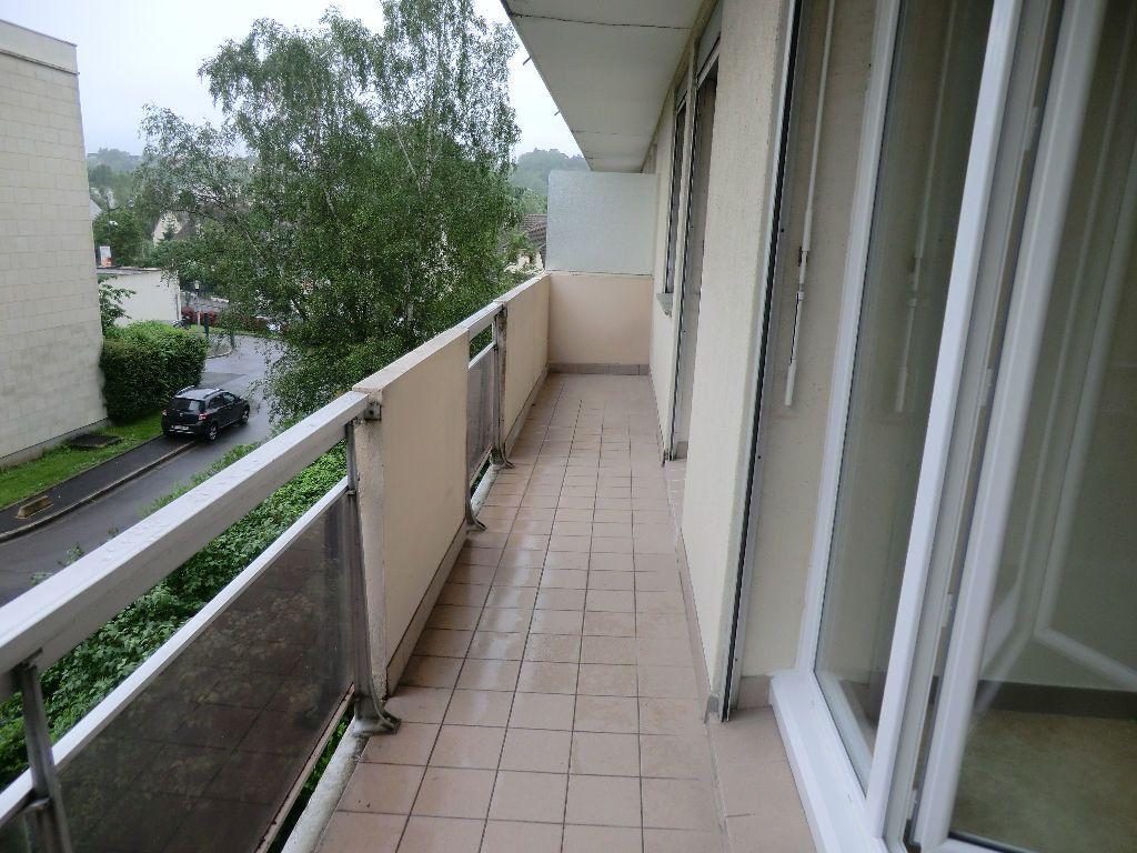 Appartement à louer 4 67.06m2 à Meaux vignette-1