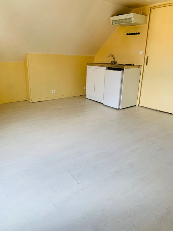 Appartement à louer 2 25.73m2 à Crouy-sur-Ourcq vignette-1