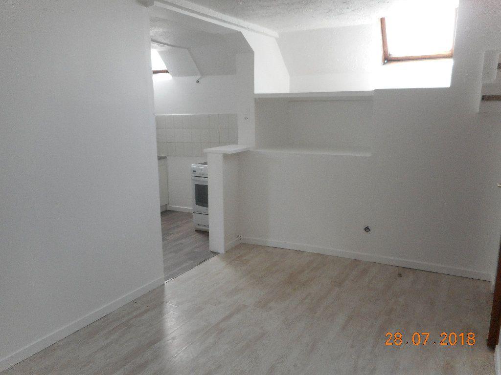 Appartement à louer 1 20m2 à Crouy-sur-Ourcq vignette-2