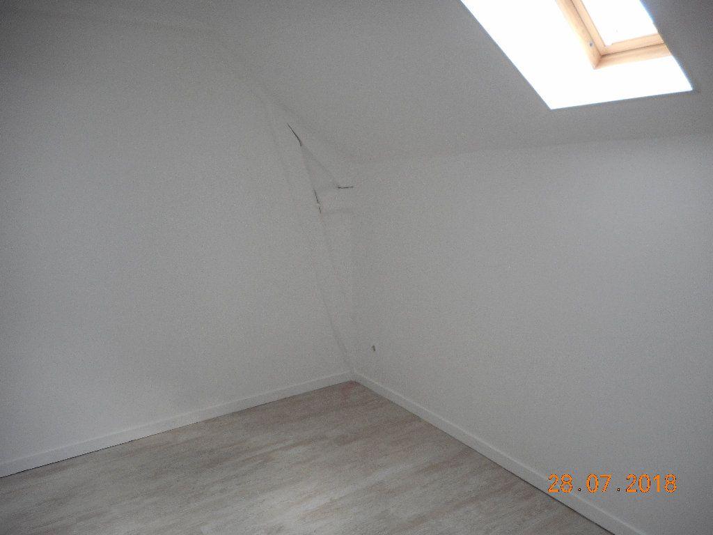 Appartement à louer 1 20m2 à Crouy-sur-Ourcq vignette-3