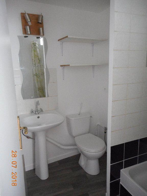 Appartement à louer 1 20m2 à Crouy-sur-Ourcq vignette-4