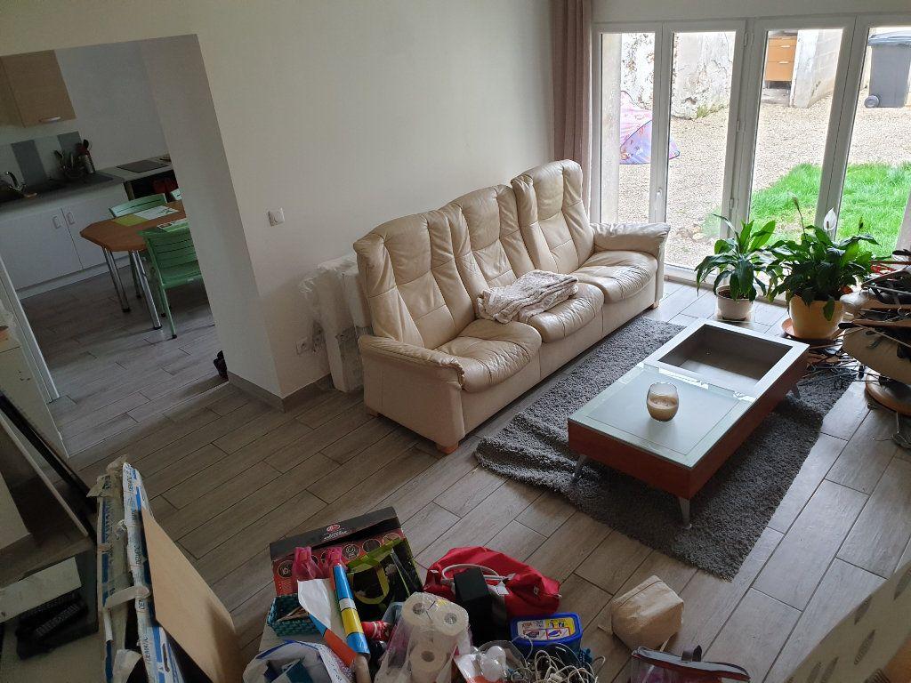 Maison à louer 3 73.2m2 à Dhuisy vignette-3
