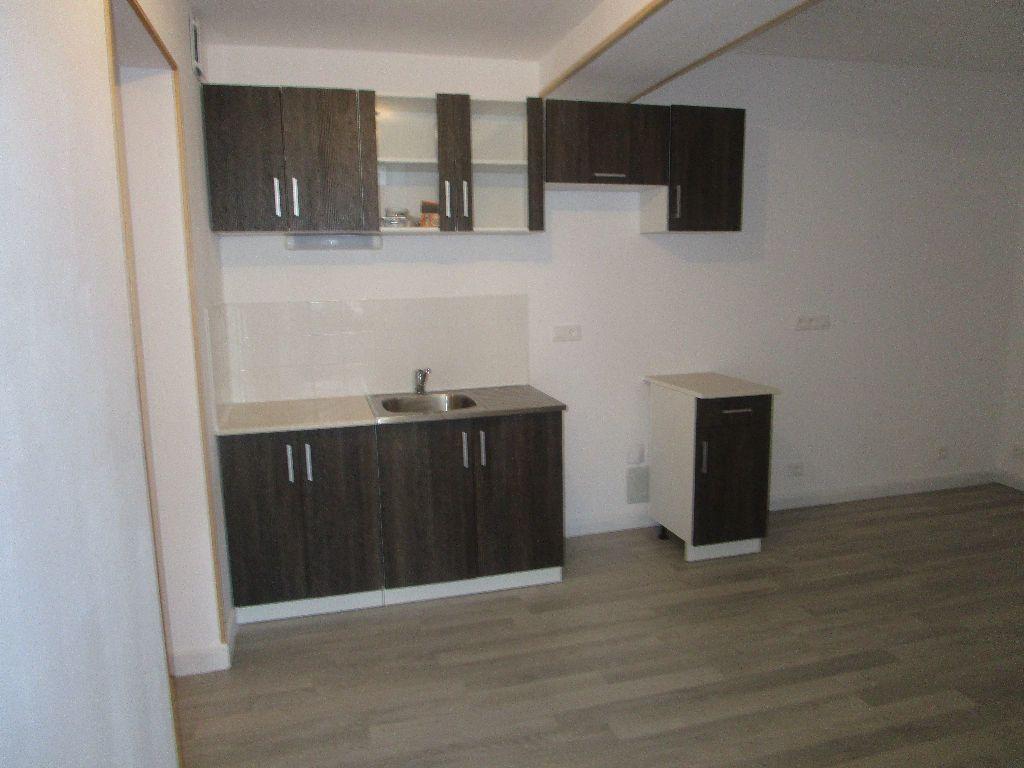 Appartement à louer 3 40.8m2 à Meaux vignette-1