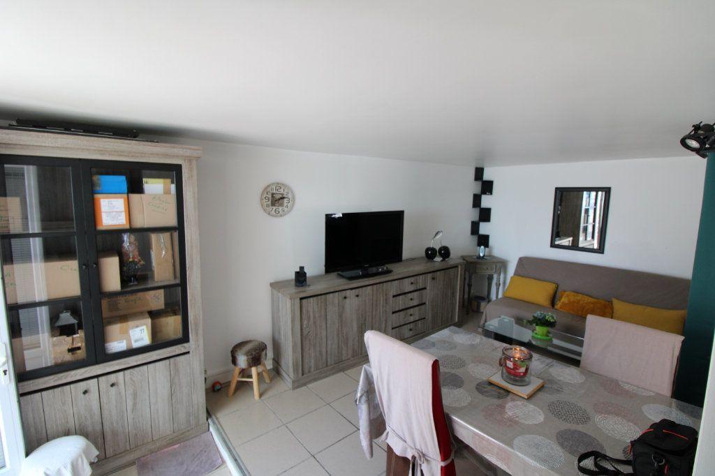 Appartement à louer 2 33.45m2 à Le Plessis-Placy vignette-1