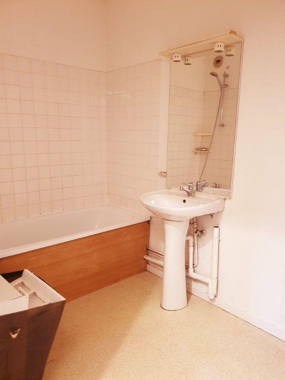 Appartement à louer 2 50.99m2 à Lizy-sur-Ourcq vignette-3
