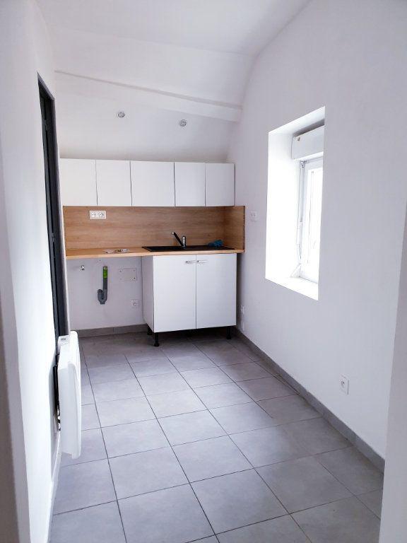Appartement à louer 2 35m2 à Ussy-sur-Marne vignette-2