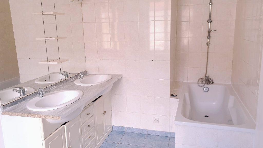 Maison à louer 4 65m2 à Crouy-sur-Ourcq vignette-3