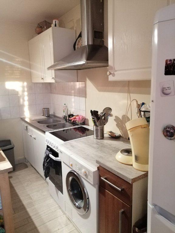 Appartement à louer 3 44.53m2 à Trilport vignette-3