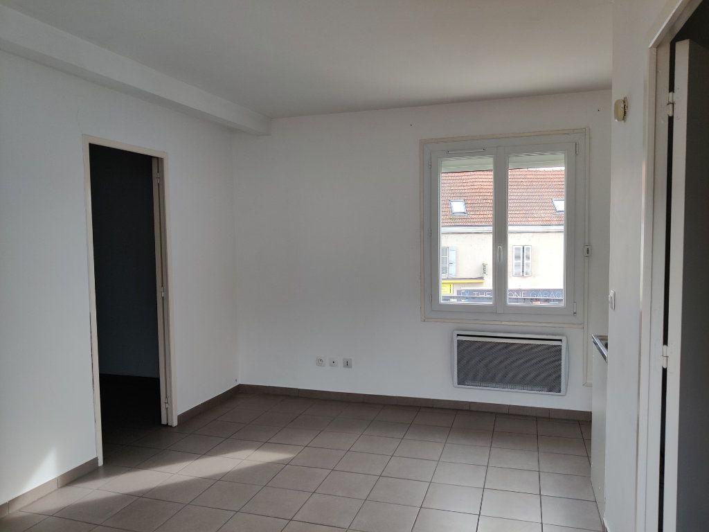 Appartement à louer 2 31.2m2 à Trilport vignette-1