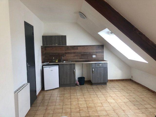 Appartement à louer 1 23m2 à Saint-Nazaire vignette-1