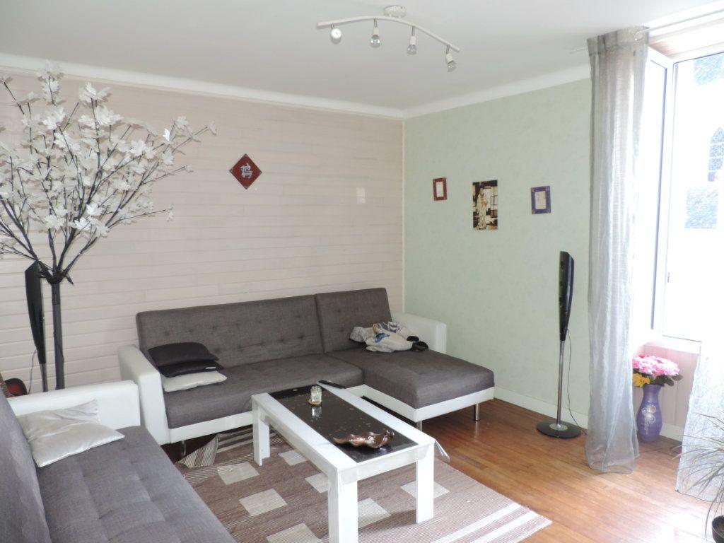 Maison à vendre 3 126m2 à Saint-Joachim vignette-2