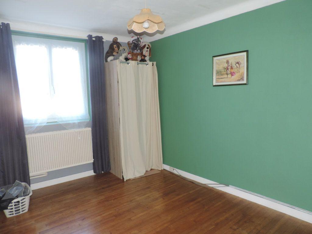 Maison à vendre 3 126m2 à Saint-Joachim vignette-4