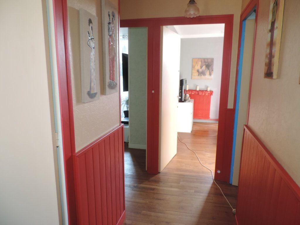 Maison à vendre 3 126m2 à Saint-Joachim vignette-6