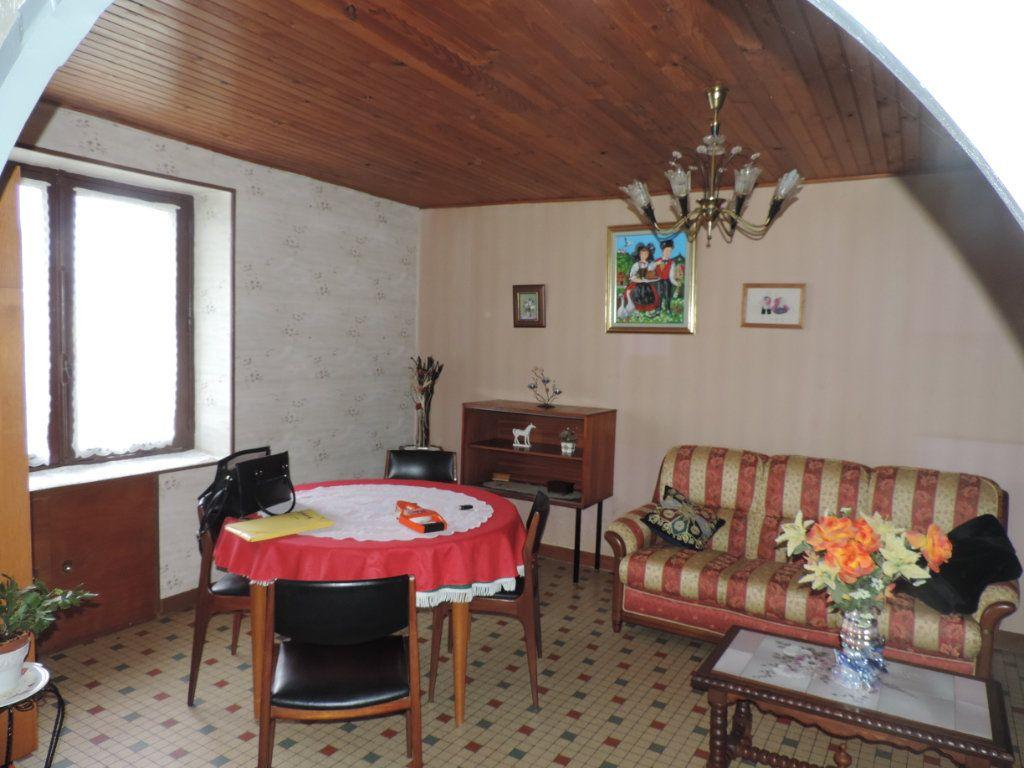Maison à vendre 3 100m2 à Saint-Malo-de-Guersac vignette-2