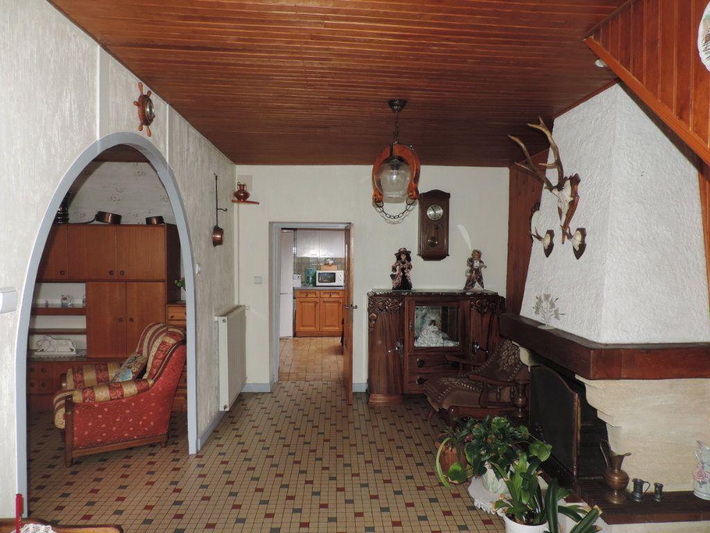 Maison à vendre 3 100m2 à Saint-Malo-de-Guersac vignette-3
