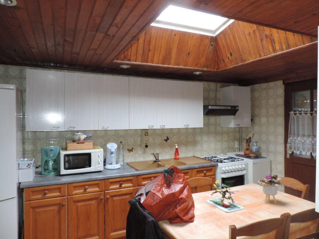 Maison à vendre 3 100m2 à Saint-Malo-de-Guersac vignette-5