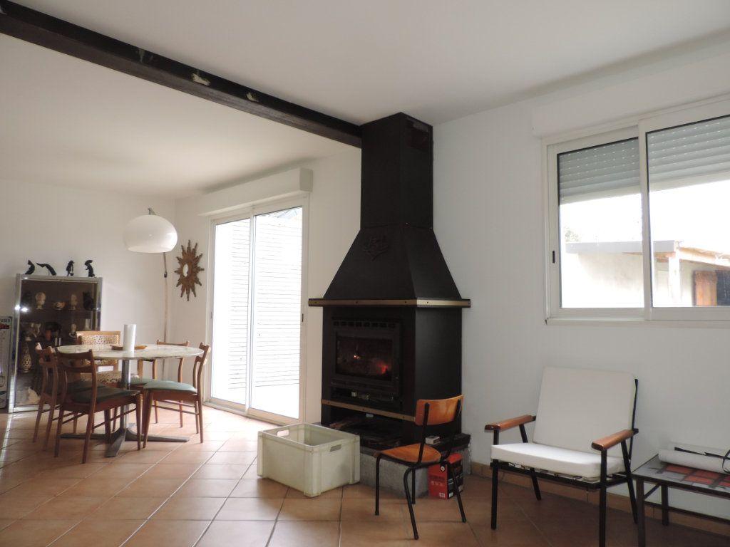 Maison à vendre 5 203m2 à Saint-Malo-de-Guersac vignette-4