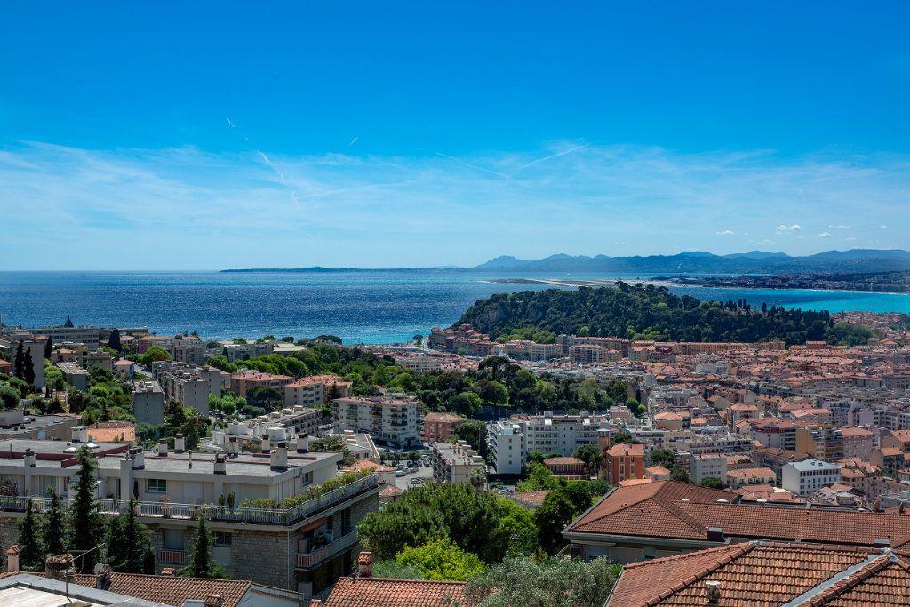 Appartement à vendre 5 125.66m2 à Nice vignette-1