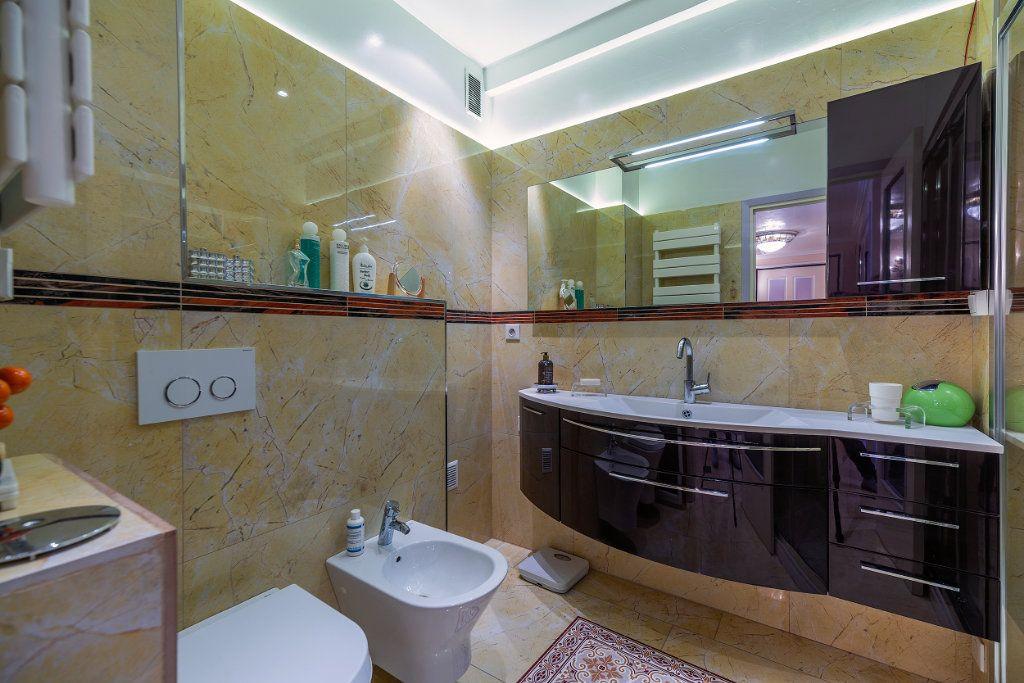 Appartement à vendre 5 125.66m2 à Nice vignette-11