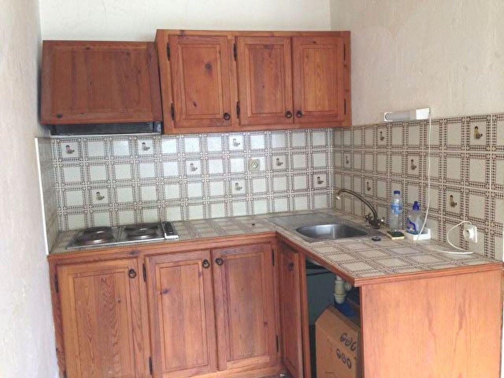 Appartement à vendre 2 51m2 à Gréolières vignette-2