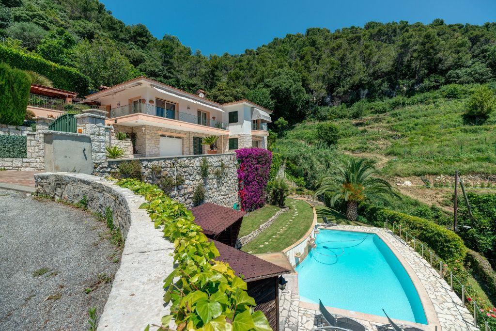 Maison à vendre 6 230m2 à Villefranche-sur-Mer vignette-4
