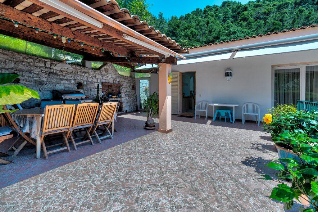 Maison à vendre 6 230m2 à Villefranche-sur-Mer vignette-6