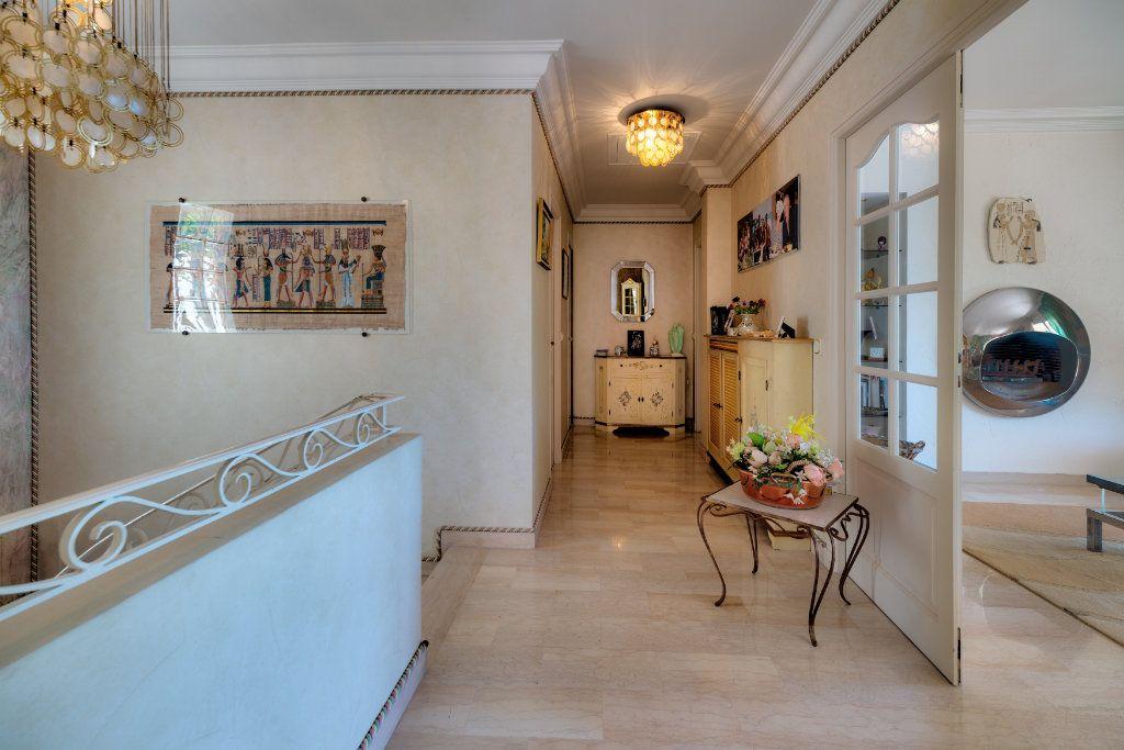 Maison à vendre 6 230m2 à Villefranche-sur-Mer vignette-10